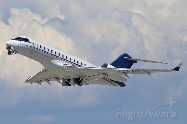 Bombardier Global Express (VQ-BNP) - Taking off.