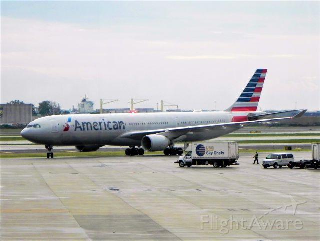 Airbus A330-300 (N271AY) - N271AY Airbus A330-323 arriving as AA759 from Athens LGAV/ATH