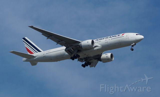 Boeing 777-200 (F-GSPV)