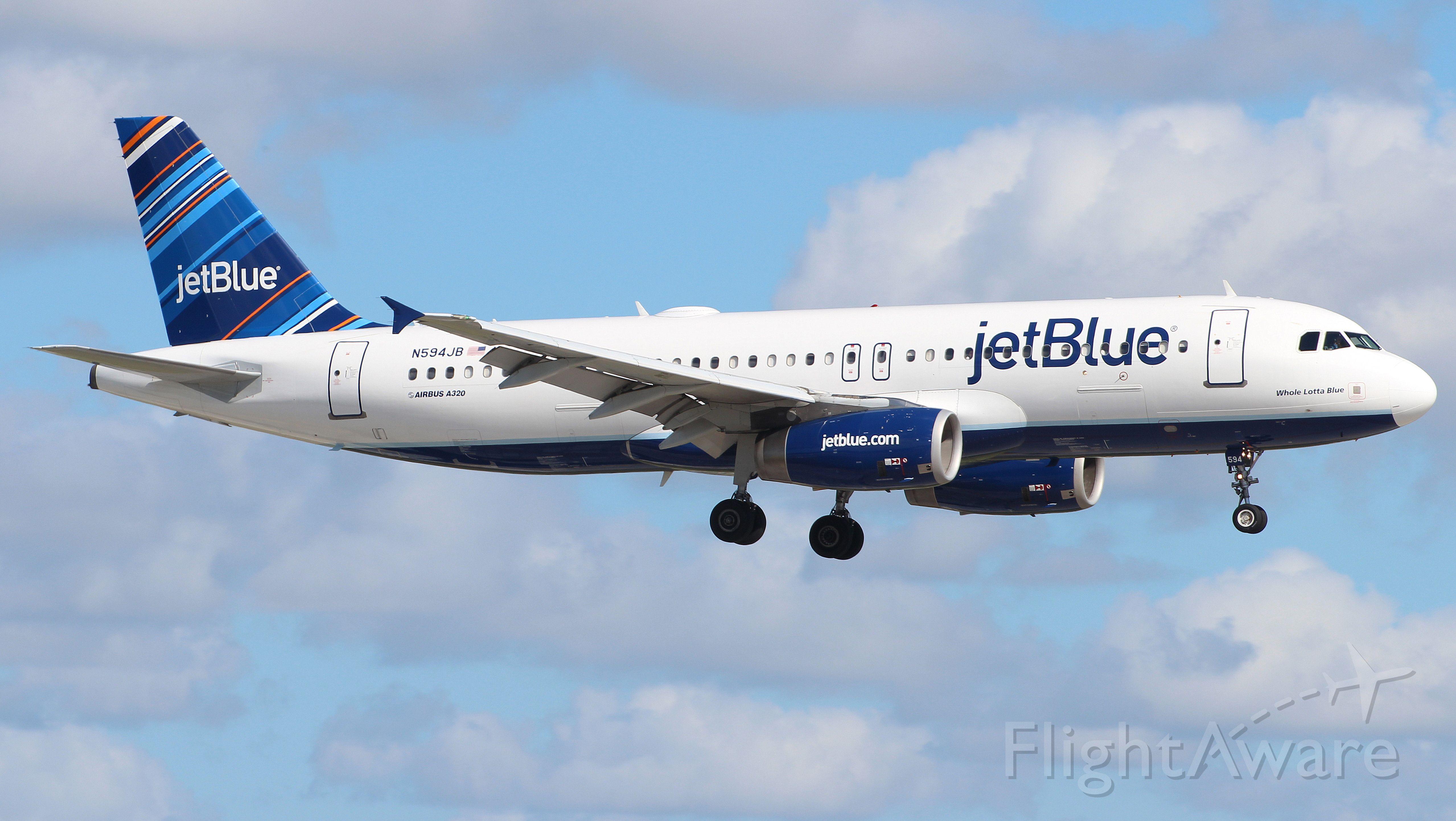 Airbus A320 (N594JB) - 06.10.2013 Landing at Fort Lauderdale International