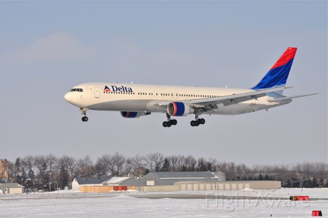 BOEING 767-300 (N193DN) - Trainer One Heavy practicing instrument landings, Fargo, ND. Jan 20, 2010.