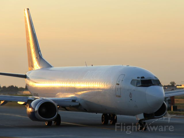 BOEING 737-400 (N279AD) - You can see the former titles of Direct Air with the lighting
