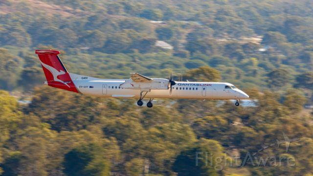 de Havilland Dash 8-400 (VH-QOY)
