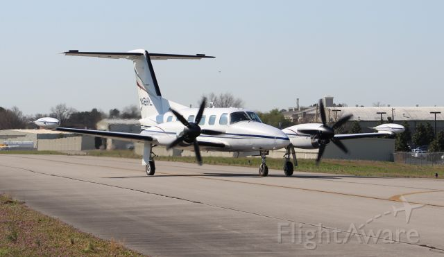 Piper Cheyenne 400 (N46HL) - A 1985 Piper PA-42-1000 Cheyenne L/S making the turn from the taxiway onto the ramp at Pryor Field Regional Airport, Decatur, AL - March 9, 2017.
