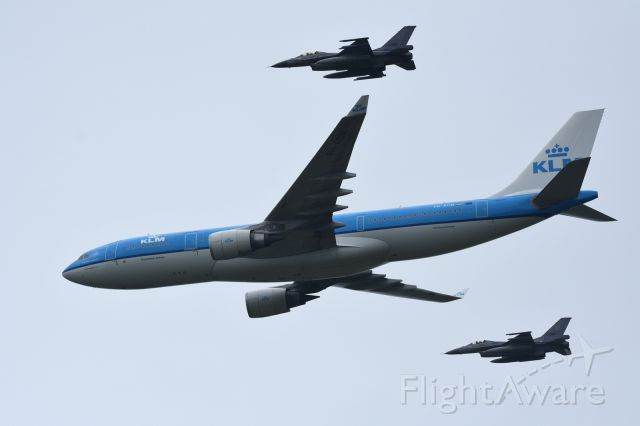 Airbus A330-200 (PH-AON) - Luchtmachtdagen 2016, Leeuwarden Netherlandsbr /br /KLM A330-200 with two F-16 formation flights