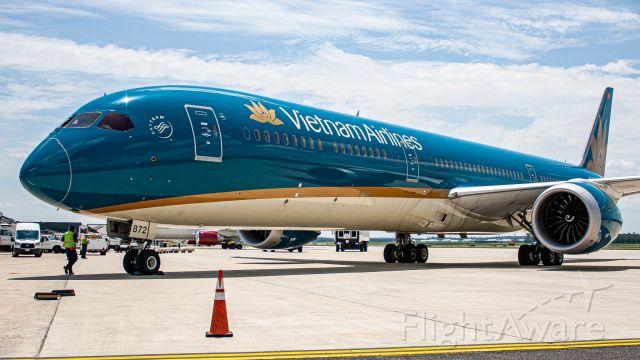 BOEING 787-10 Dreamliner (VNA872)