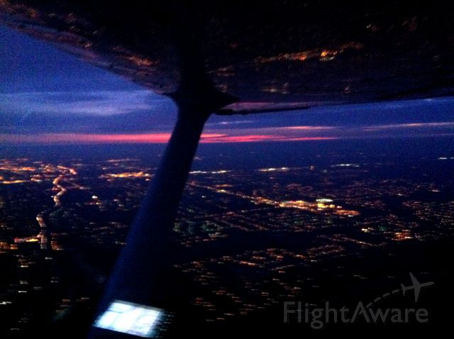Cessna Skyhawk (N225RA) - Night solo
