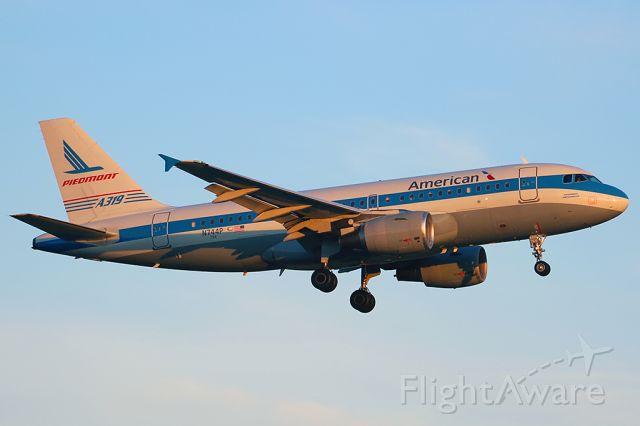 Airbus A319 (N744P)