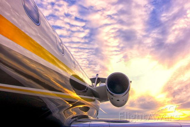 Learjet 45 (N441FX) - Right before we put the plane to bed.