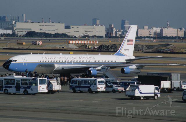 "Boeing 707-300 (72-7000) - Parked at Tokyo-Haneda Intl Airport on 1997/02/23 "" VIP Flight """