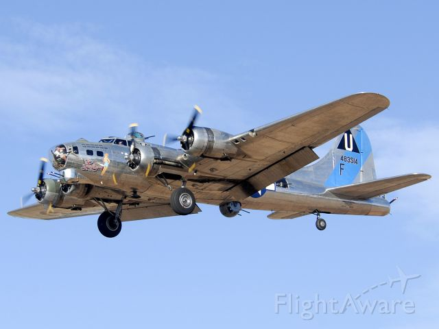 N9323Z — - Sentimental Journey on approach to land on Runway 25 Right
