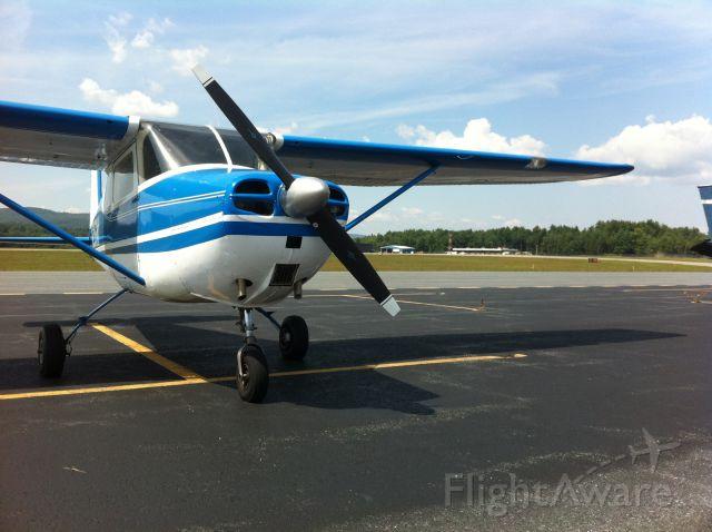Cessna Skyhawk (N256NY)