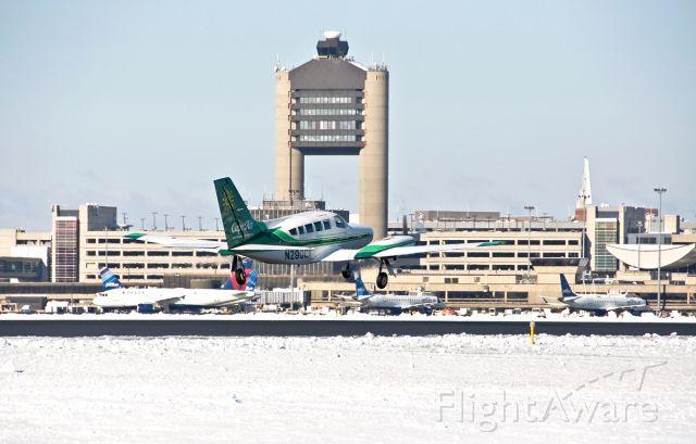 Cessna 402 (N290CA) - 33L departure