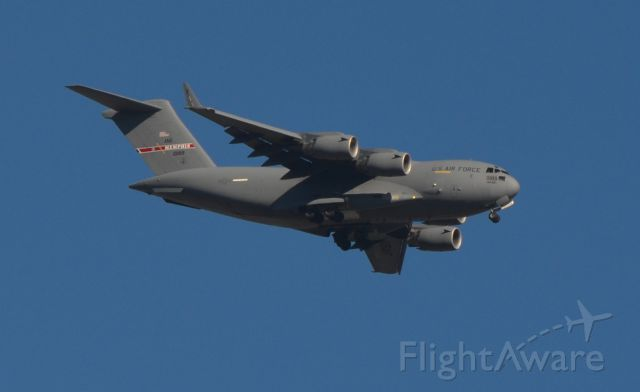 Boeing Globemaster III (0189) - Memphis Air National Guard C-17 on final to KMEM