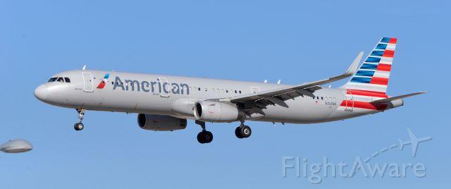 Airbus A321 (N150NN) - McCarran Las Vegas 08DEC20