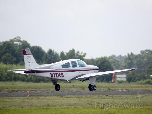 Beechcraft Bonanza (33) (N721ER)