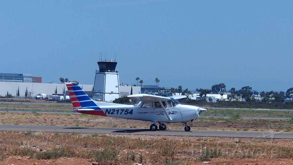 Cessna Skyhawk (N21754)