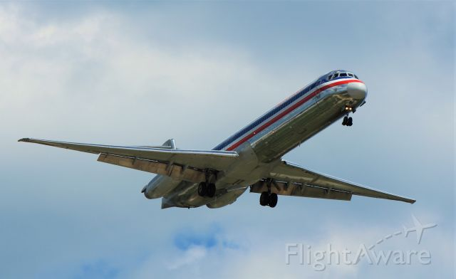 McDonnell Douglas MD-80 (N964TW)