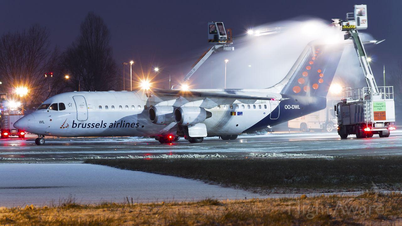 Avro RJ-100 Avroliner (OO-DWL)