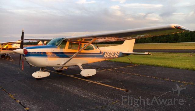 Cessna Skyhawk (N61832)