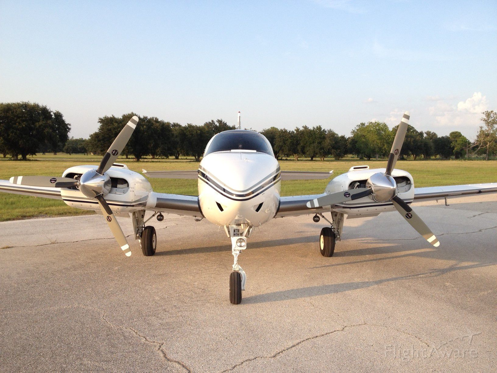 Beechcraft 55 Baron (N881H) - Afternoon at the hanger!