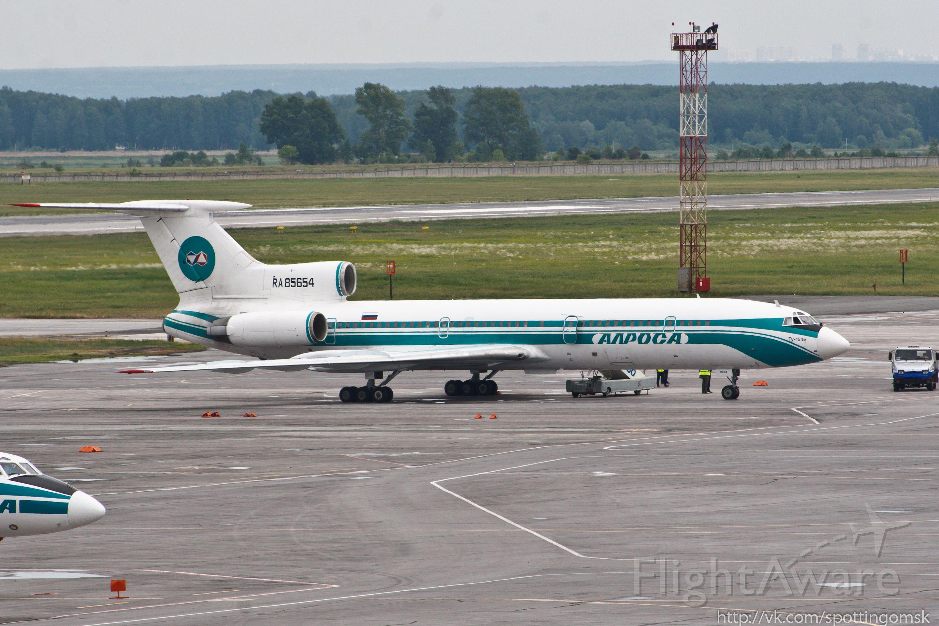 Tupolev Tu-154 (RA-85654) - 2013