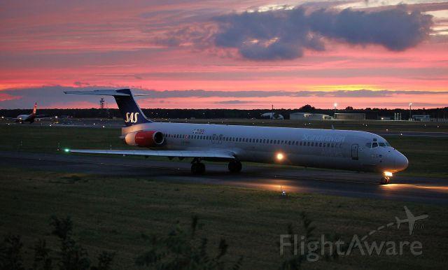 McDonnell Douglas MD-82 (LN-RMM)