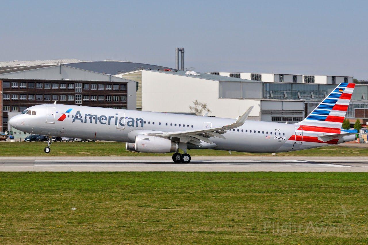 Airbus A321 (N115NN)