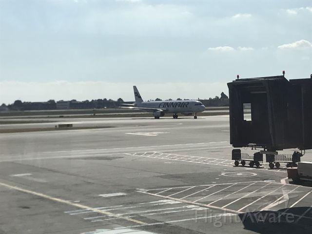 — — - Finnair tail at Copenhagen