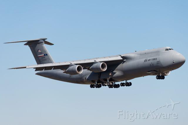 Lockheed C-5 Galaxy (50-0009) - C-5 Galaxy landing on Rwy. 15 at Lackland AFB