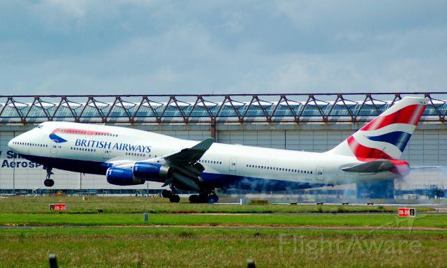 Boeing 747-400 (G-BNLW)