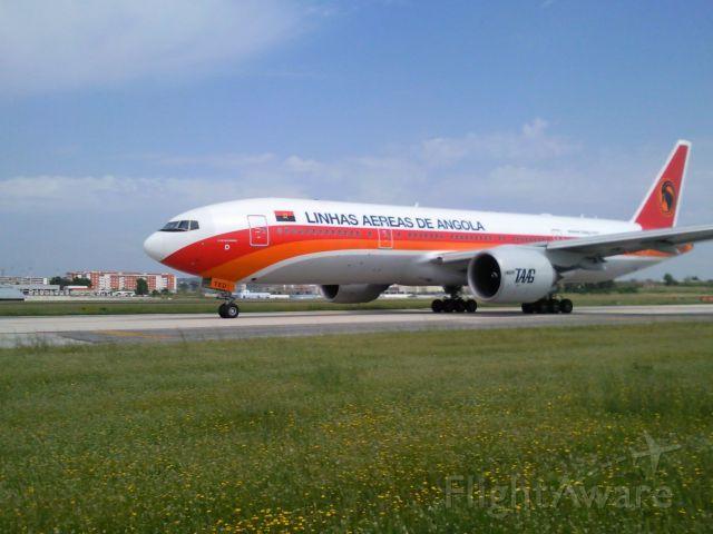 Boeing 777-200 (DT2F)