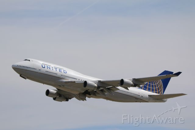 Boeing 777-200 (N795UA)