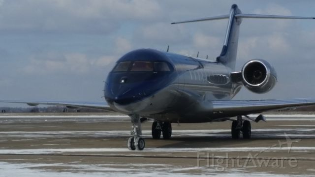 Bombardier Global 5000 (N636JS) - West Mifflin, Pa