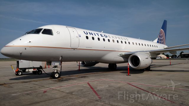 Embraer 170/175 (N87319)