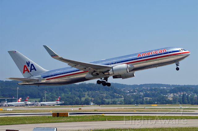BOEING 767-300 (N360AA)