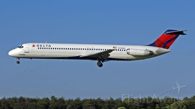 McDonnell Douglas DC-9-50 (N786NC)