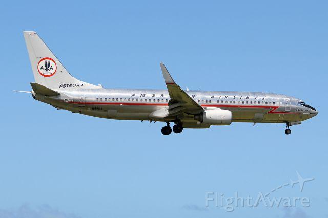 Boeing 737-800 (N951AA)