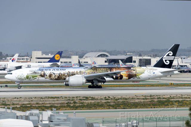BOEING 777-300 (ZK-OKP) - ZK-OKP  Boeing  B777-319ER  The Hobbit  ANZ  KLAX  20130304  4209