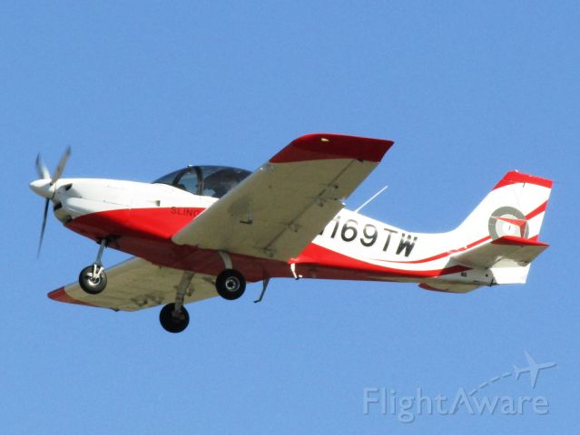Aircraft Factory Sling 2 (N169TW) - Taking off RWY 26L