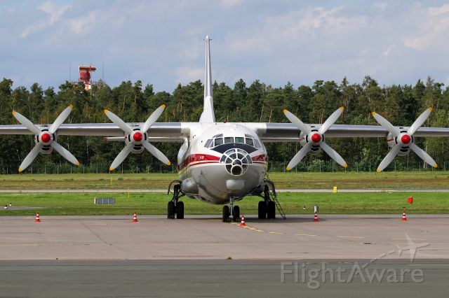 Antonov An-12 (UR-CAK)