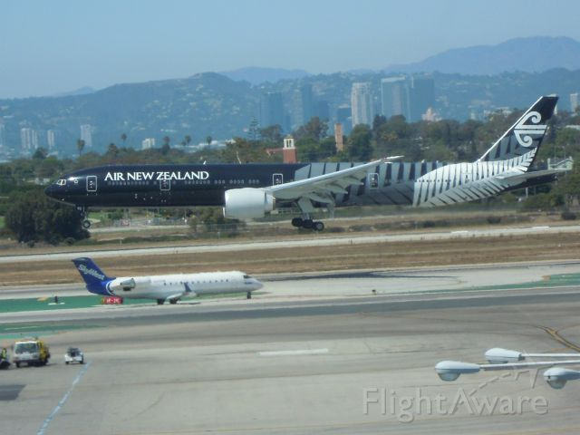 BOEING 777-300 — - AIR NEW ZEALAND 777-300 IN BLACK COLOURS LAX