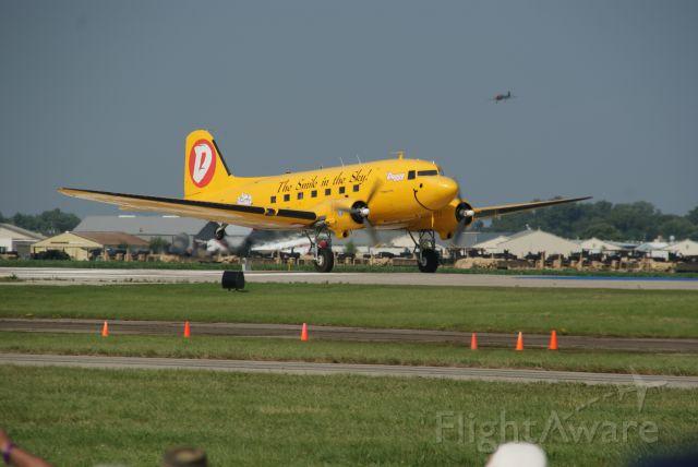 Douglas DC-3 (D-UGGY)