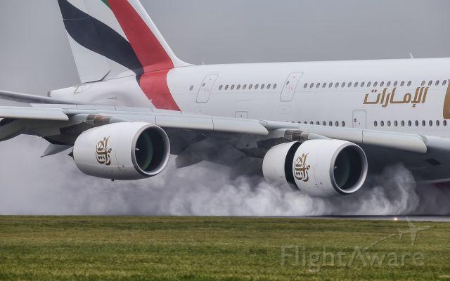 Airbus A380-800 (A6-EOY)