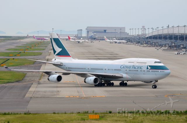 Boeing 747-400 (B-HOR) - Airline: Cathay Pacific Airways (CX/CPA); Airport: Kansai International Airport (KIX/RJBB); Camera: Nikon D7000; Date: 4 July 2012