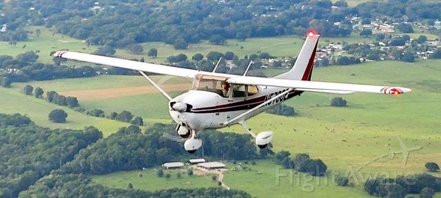 Cessna Skyhawk (N5700E)