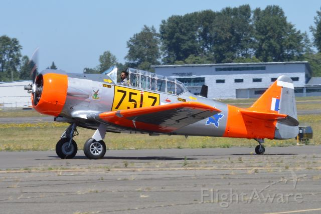 North American T-6 Texan (N7517) - Taxiing in after arrival during the Collings Foundation's 2019 Wings of Freedom tour. Paying a visit to the B-17 Alliance Museum located in Salem.