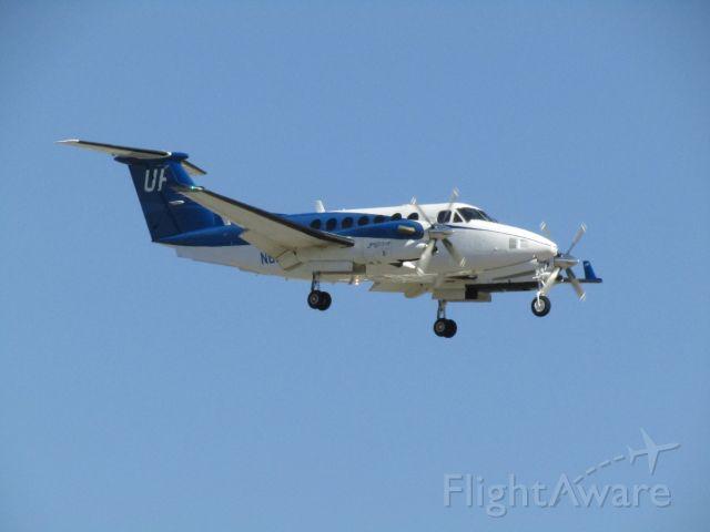 Beechcraft Super King Air 350 (N800UP) - Landing RWY 20R