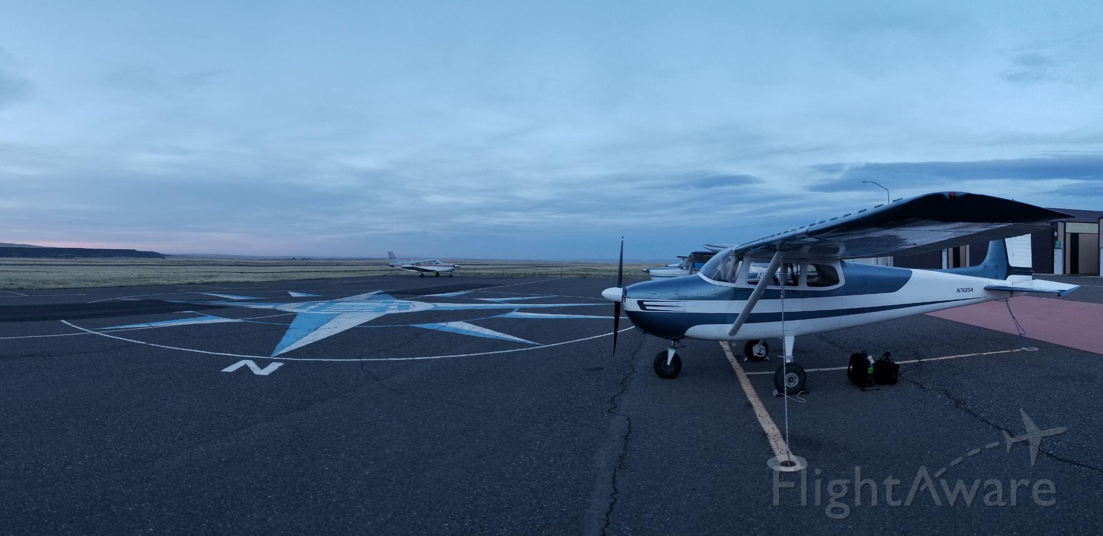 Cessna Skyhawk (N7485A)