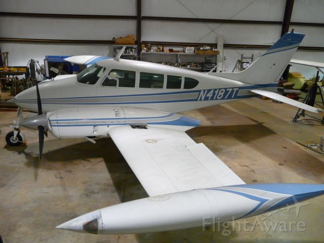 Cessna Executive Skyknight (N4187T)